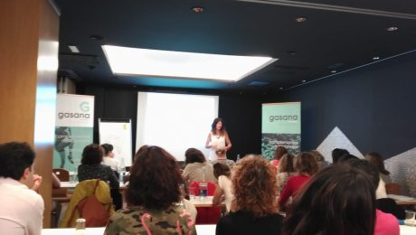 Charla Gasana Oviedo Begoña Ruiz PNI clínica melatonina